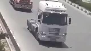 les camionneurs en grève défilent sur les routes de Machad, dans le nord-est de l
