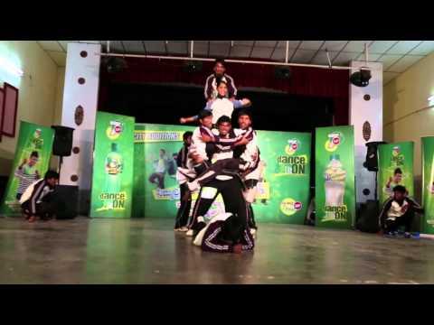 7Up DanceOn - Mysore - Round 1 Wildcard - 038 Manju and team