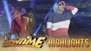 It's Showtime: Vice Ganda imitates a dance move