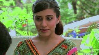 Vickrant Mahajan Confesses His Love To Kainaz - Challo Driver