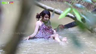 Wow!! Supper Girl Fishing Trap Using PVC Water Pipes - khmer net fishing traditional Style
