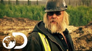 Gold Rush | SEASON 8 | Tony Beets Rages At Kevin As He Moves The Dredge