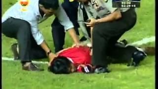 هجوم مشجع اندونيسي    مباراه Indonesian Fun try to score a Goal