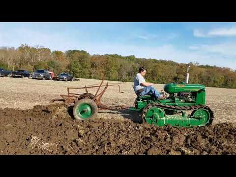 Xxx Mp4 1945 Cletrac Crawler Pulling A Oliver Rooster Comb Plow 3gp Sex