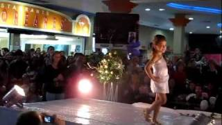 Desfile de Milena Stepanienco Chagas - Mini Miss Santa Cruz do Sul 2011