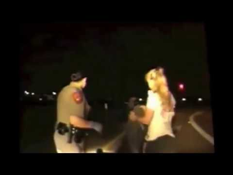 Fingering! Is This Way Police Search Women in USA!