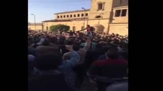 متظاهرين أمام الكاتدرائية: وحياة دمك يا شهيد مش عايزين السيسي في العيد