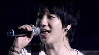 32. Super Junior - Shining Star [Super Show 2 DVD]