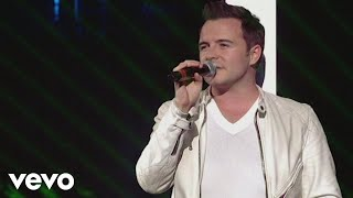 Westlife - Flying Without Wings (Live at Wembley '06)