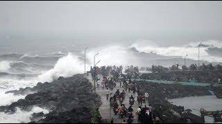 Cyclone Phethai: Strong winds, high tide hit Andhra Pradesh