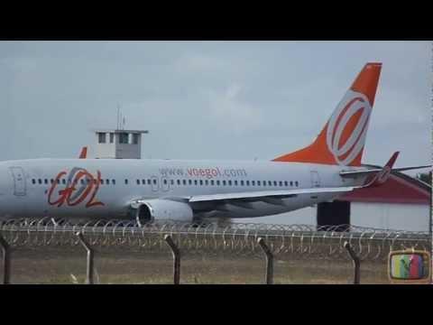 Avião Da Gol Decolando Do Aeroporto Castro Pinto