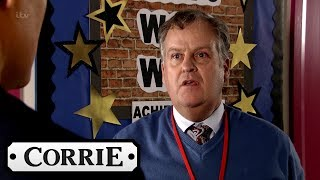 Coronation Street - The Pressure Is on for Brian