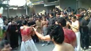 Download 10 Muharram 1433 Hijri (2011) Zanjeer Matam at Chowk Bazar Multan Part-2 3Gp Mp4