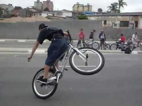 Campeonato de Wheeling Bike.wmv