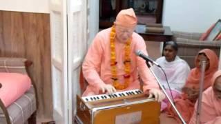 kirtan at Gurudev kutir by Swami Vimlanandaji , Sivananda Ashram, Rushikesh, Part -1