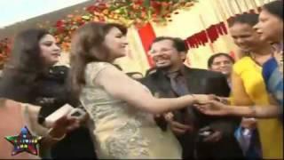 Madhuri Dixit at Wedding cermony.FLV