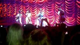Katy Perry live @ HMH 15/03/2011 - Talking to the audience + singing Only Girl