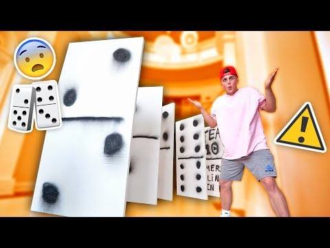 WORLDS BIGGEST GAME OF DOMINOES INSANE FALLING