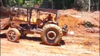 Heavy Equipment Accidents #RC World Most Heavy Equipment Disasters Video - Extreme Trucks Mudding Go