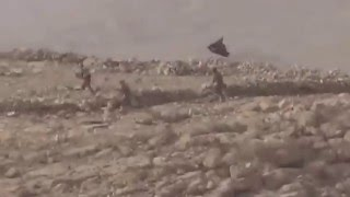 Look How Kurdistan Army ( Peşmerge ) Kill the ISIS Terrorist