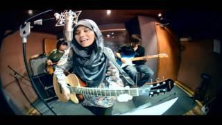 Cinta Muka Buku Official Video Clip - Najwa Latif