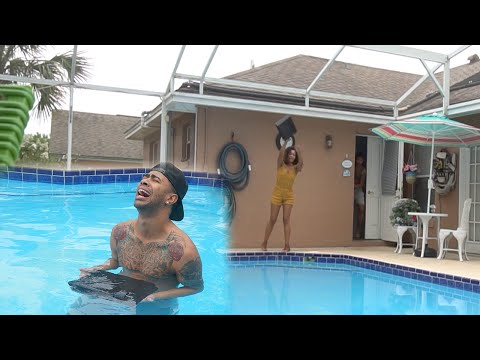 Xxx Mp4 ANGRY GIRLFRIEND THROWS PS4 IN THE POOL PRANK GONE WRONG 3gp Sex