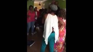 Tee-Sharee and family sings Yes by Shekinah Glory