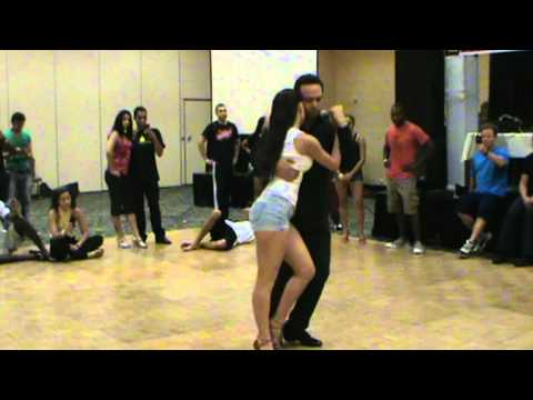 Kizomba Tricks Workshop with Pablo y Julia