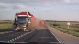 FAIL | Truck Crash Compilation 25 || Camion, bus crash || Sept 2016