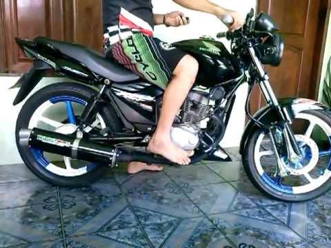 Moto fan 150 com suspensão a ar.
