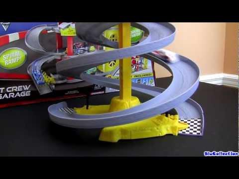 Cars 2 WGP Race Off Spiral Track Set World Grand Prix Speedway Raoul ÇaRoule Disney Blucollection