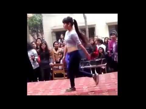 Xxx Mp4 कॉलेज में लड़की के डांस का यह विडियो हुआ वायरल सोशल मीडिया पर मचा रहा है धूम 3gp Sex