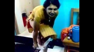 Sexy মেয়ের ন্যাংটা নাচ দেখুন