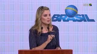 Marcela Temer erra em discurso no dia do voluntariado