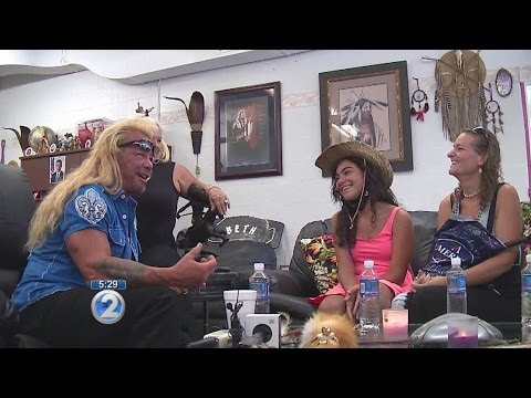 Xxx Mp4 Girl Meets Dog Bounty Hunter Grants Wish To Ailing 12 Year Old 3gp Sex