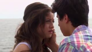 Soy Luna: Luna and Simon kiss Ep.60