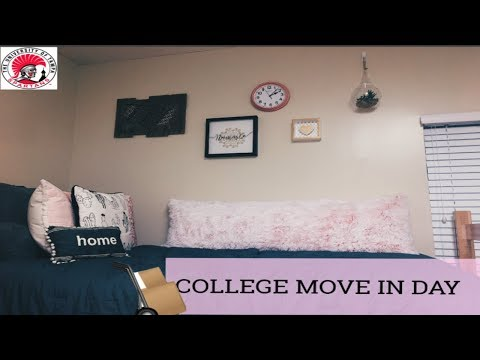 COLLEGE FRESHMAN MOVE IN DAY VLOG 2017 University of Tampa
