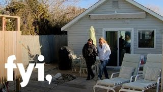 Tiny House Hunting: A Simple Life in a Simple Beach Cottage (S2, E3) | FYI