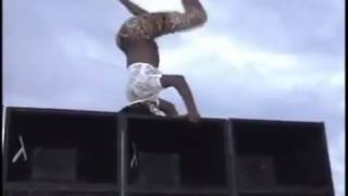 Jamaican Girl Whining Fell From The Speakerbox And Tried To Play it Off By Doing A Split!