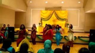 Bhangra mehndi dance