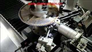 Auto tube wrapping machine for saw blade