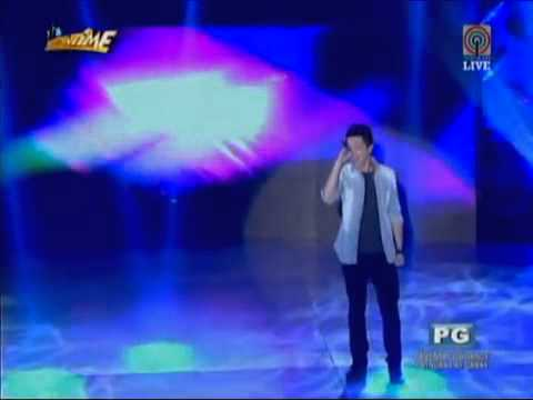 Bamboo sings 'The Man Who Can't Be Moved' on It's Showtime