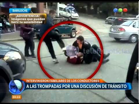 A las piñas por una discusión de tránsito Telefe Noticias