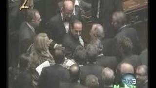 Berlusconi  Inciampa E Cade A Montecitorio