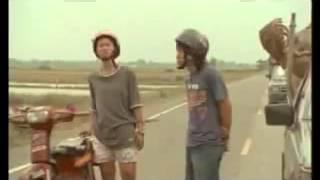 Awek Rempit Dan Pakwe Buat lawak Bodoh Tengah Jalan!!