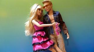 Búp Bê Barbie Và Búp Bê Ken Đi Du Lịch Lễ Tình Yêu -  Búp Bê Có Khớp  (Bí Đỏ)