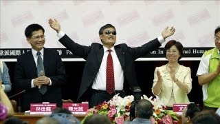 Chen Guangcheng on Life After NYU | Chinese Activist Chen Guancheng Interview