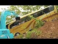 Download Video Bus Crash Recovery By Excavator Kobelco SK75 And CAT 320D2 Extended 3GP MP4 FLV
