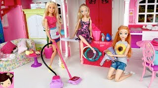 Barbie House Cleaning Morning Routine - Frozen Queen Elsa & Anna - Pink Bathroom