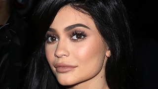 Kylie Jenner Tries To Speaks Spanish - VIDEO